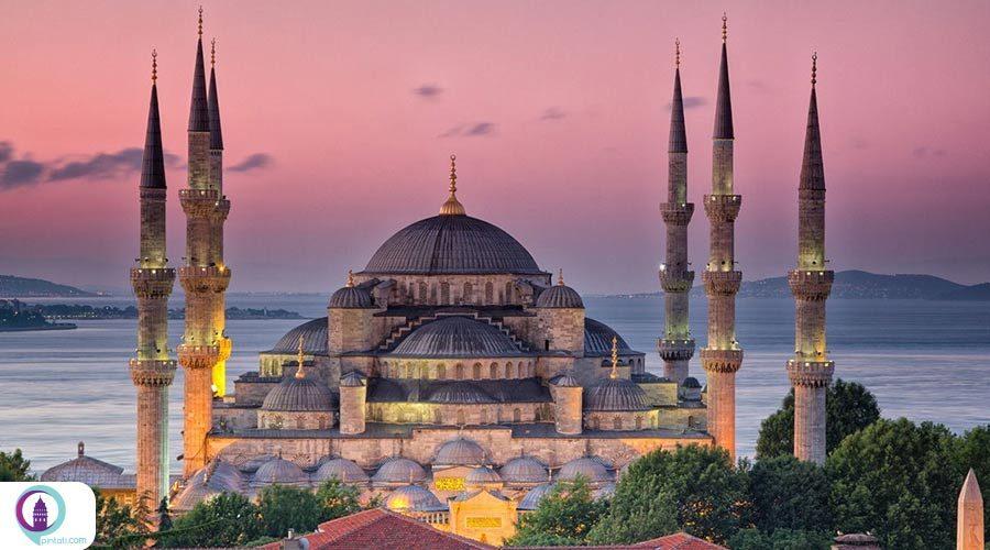 ماجرای عجیب منارههای مسجد آبی