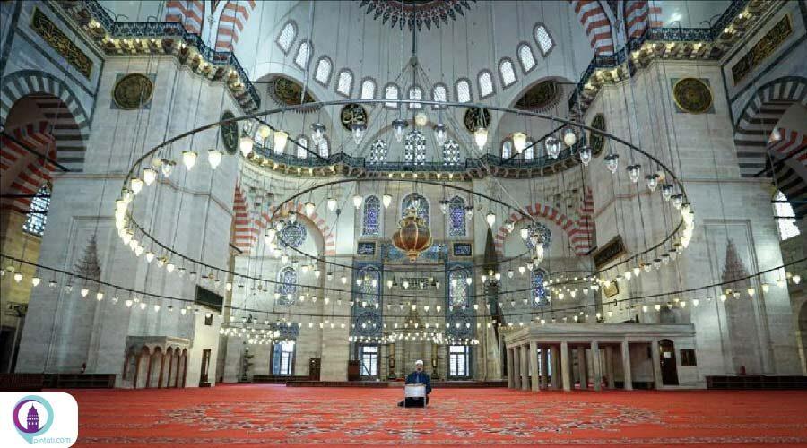 مسجد سلیمانیه و سکوت حزن انگیزش در ماه رمضان