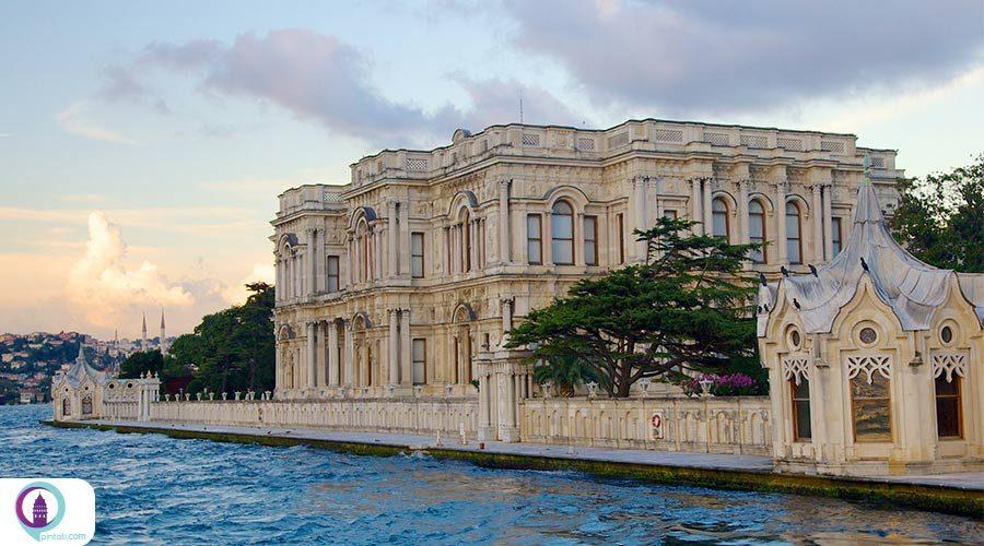 کاخ بیلربی؛ در حصار درختان ارغوان