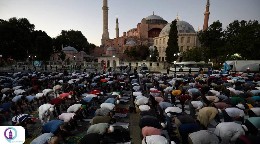 مسجد ایاصوفیه 24 ساعته پذیرای مردم است