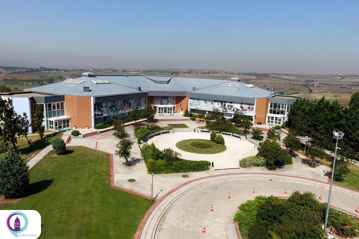 مدرسهی بینالمللی استانبول