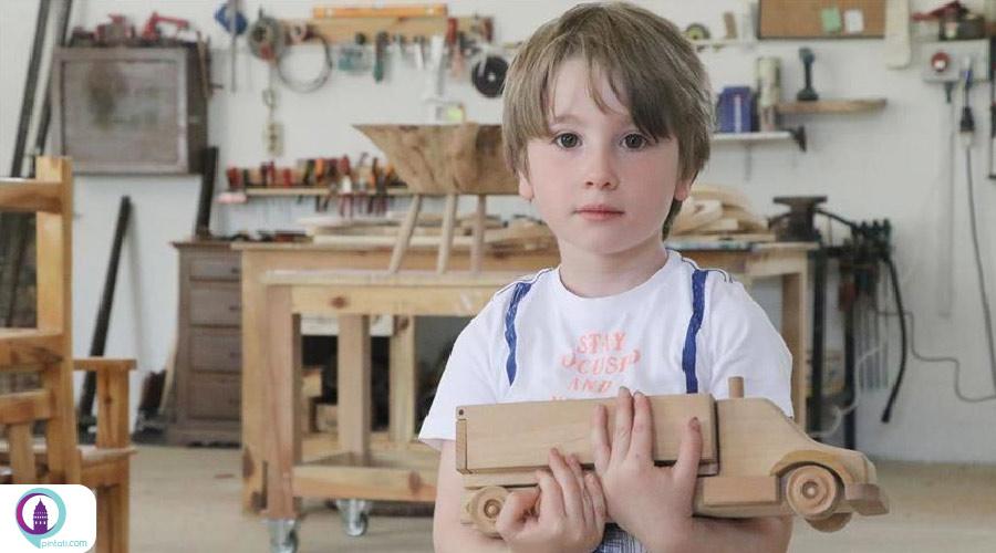 نجار ترک از پسماندهای چوبی اسباببازیهای زیبا میسازد
