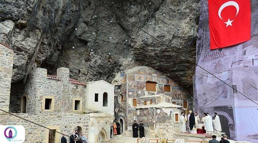 در صومعه سوملا، آیین مذهبی مسیحیان ارتدکس برگزاری شد.