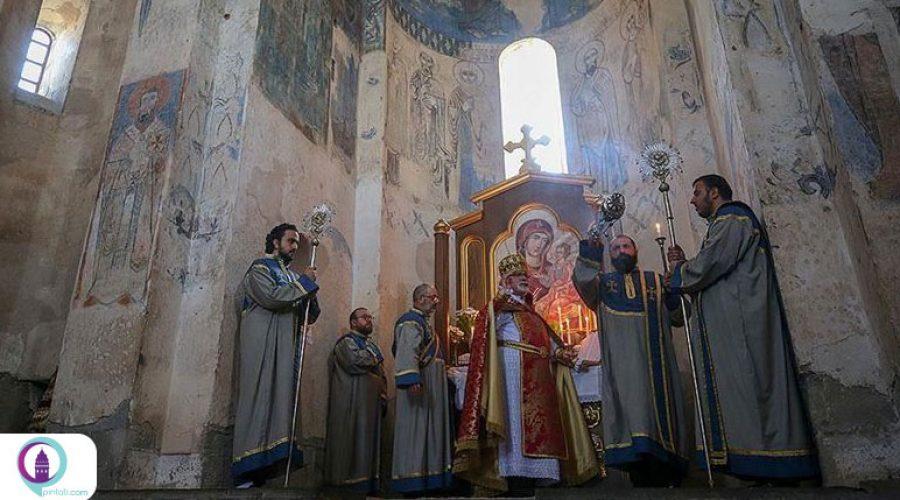 برگزاری هشتمین آیین مذهبی در کلیسای آکدامار وان تحت تدابیر کرونایی