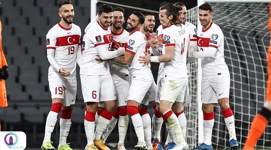 برتری تیم فوتبال ترکیه بر هلند در بازیهای مقدماتی جامجهانی