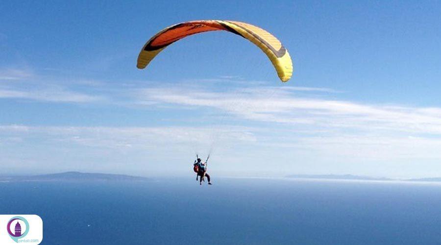 هیجان پرواز از ارتفاعات برفی باباداغ و فرود بر سواحل اولودنیز ترکیه