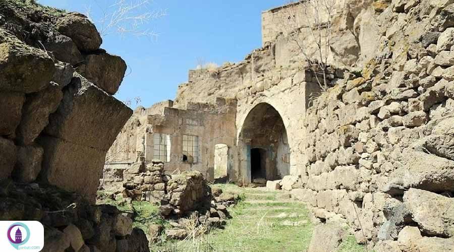 شهر زیرزمینی سه طبقه آکسارای ترکیه