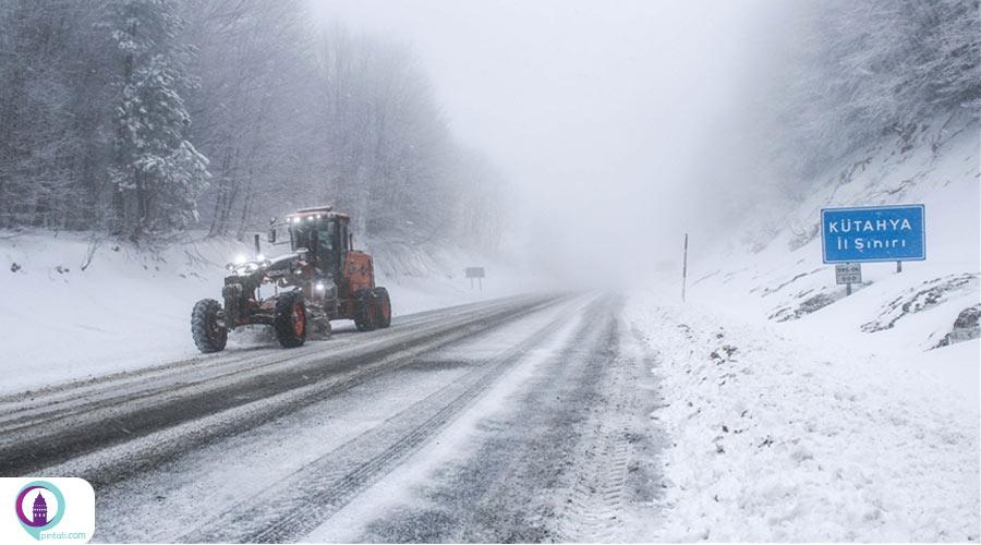 بارش برف بهاری در استان کوتاهیه ترکیه