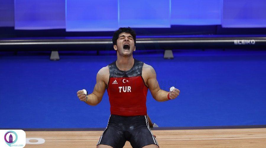 ملی پوش ترکیه قهرمان وزنه برداری اروپا شد