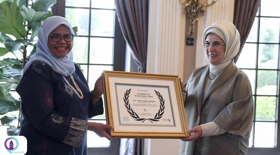 اهدای جایزه مرکز اسکان بشر سازمان ملل