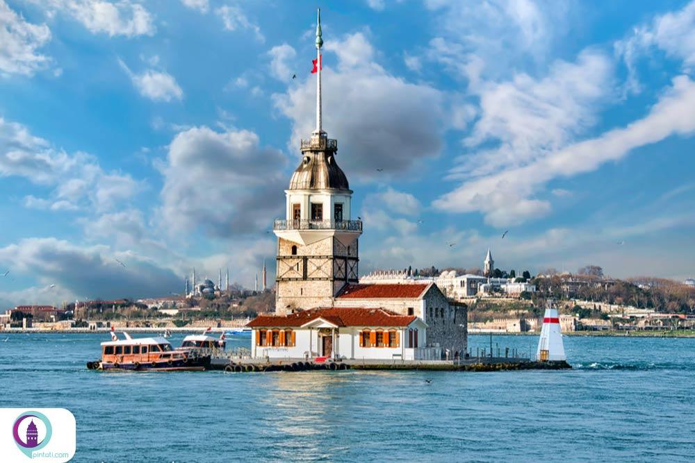 برج دختر از لوکیشنهای رومانتیک استانبول